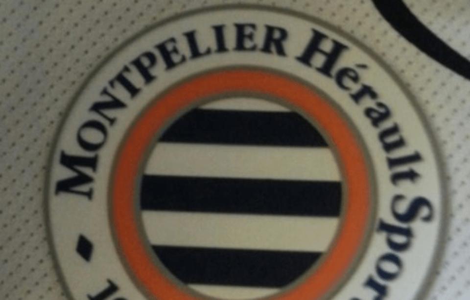 une faute sur les maillots de football du MHSC, il manque un L à montpellier 3 - MontpelYeah Magazine