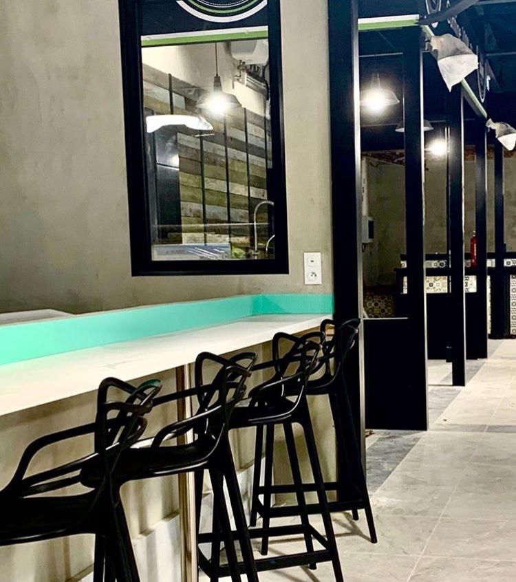 Nouveau marché gourmand et convivial : Les Halles Plaza 3